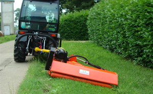 Flail mowers with extensible arm